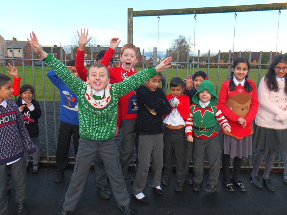 christmas jumper day - photo #50