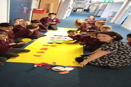 Miss Hartley and Y3 use the Learning Pit to help them understand counting in halves.