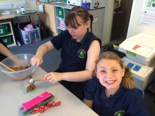 Cake Making Classes Lancashire : Enjoying cake making Park Community Academy