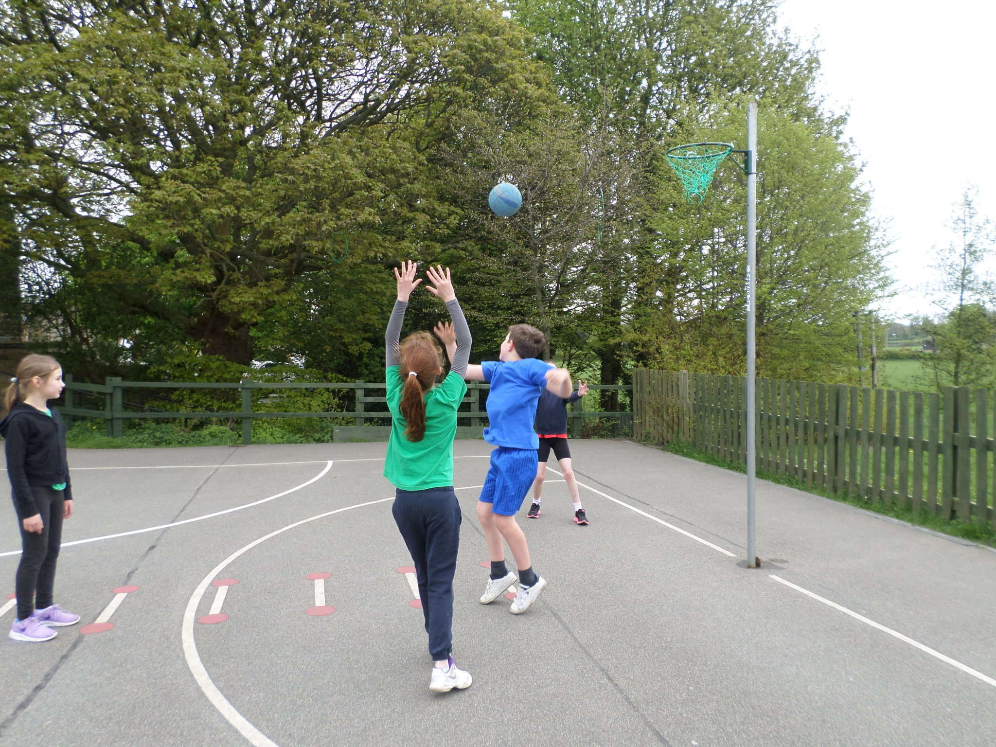 Mr Brotherton Took Class 4 Outside For Their PE Lesson They Were Being Taught How To Pass The Ball Team Mates Manouvre Around Each Other And
