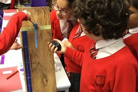 Year 5 testing the viscosity of different liquids - 22/01/2020