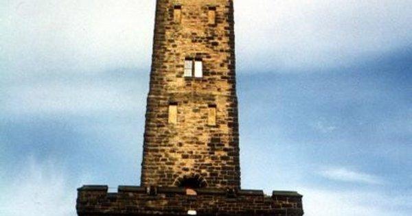 3  4 Peaks Sponsored Abseil Peel Tower