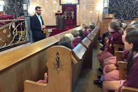 Finding out about other faiths on a visit to the Synagogue.