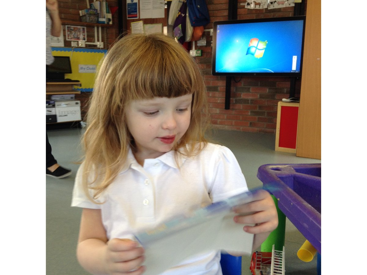 Early Years and Key Stage 1 Curriculum | Woodlands School